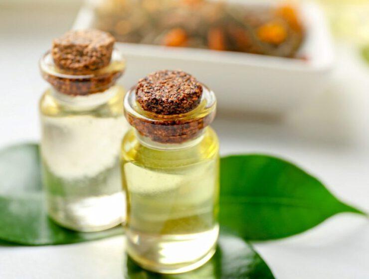 olejek z drzewa herbacianego na skórę i włosy