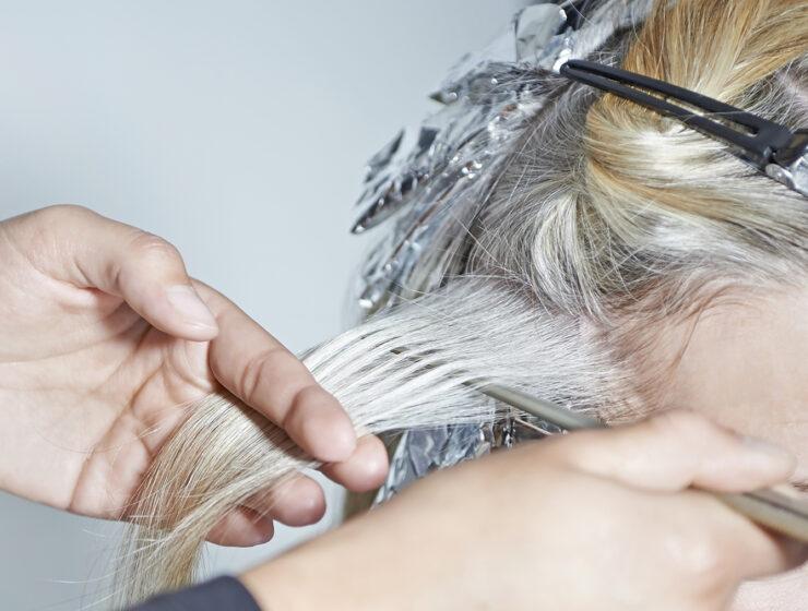 jak rozjaśnić włosy?
